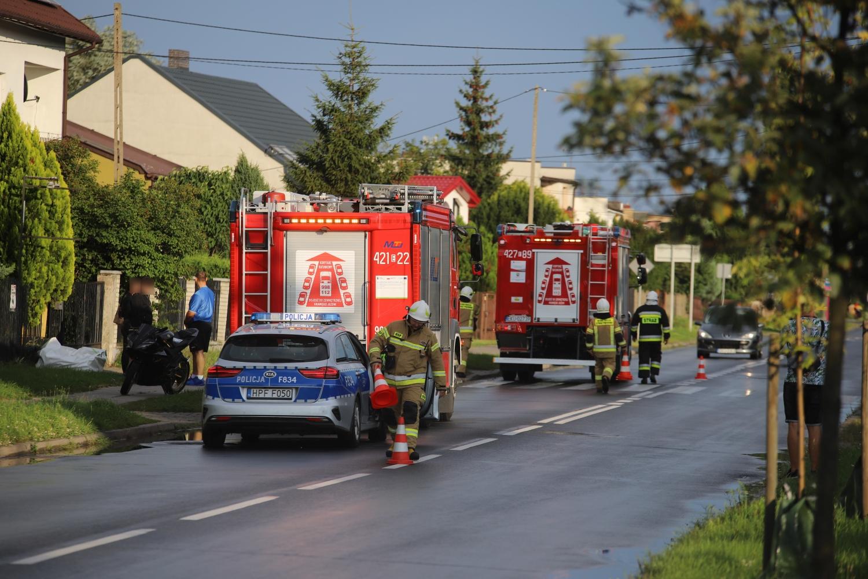 Kobieta spowodowała kraksę i uciekła. Policja komentuje zdarzenie z Łąkoszyńskiej [ZDJĘCIA] - Zdjęcie główne