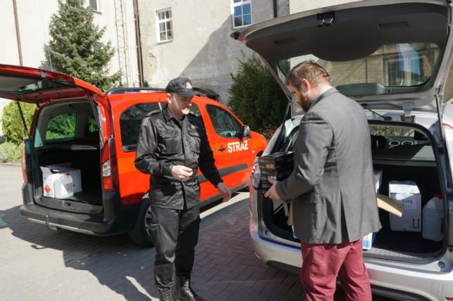 [ZDJĘCIA] Przekazali sprzęt kutnowskiej policji i straży pożarnej - Zdjęcie główne