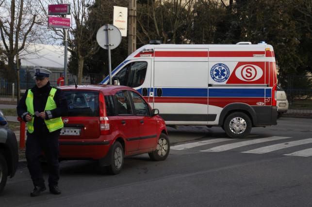 [ZDJĘCIA, AKTUALIZACJA] Nastolatka potrącona na pasach! Sprawca uciekł z miejsca zdarzenia - Zdjęcie główne