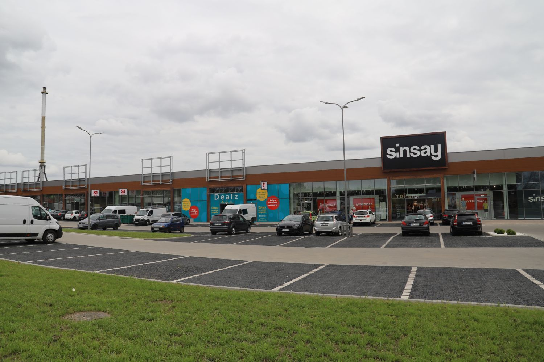 Szykują się do otwarcia nowego sklepu przy Żwirki i Wigury w Kutnie [ZDJĘCIA] - Zdjęcie główne