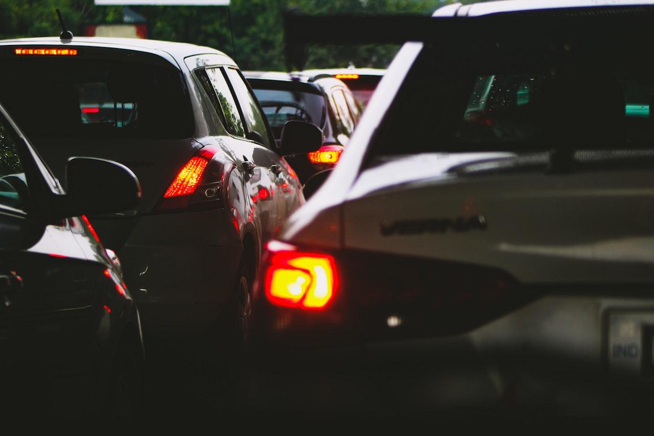 Auto złom - na czym polega jego działalność? - Zdjęcie główne