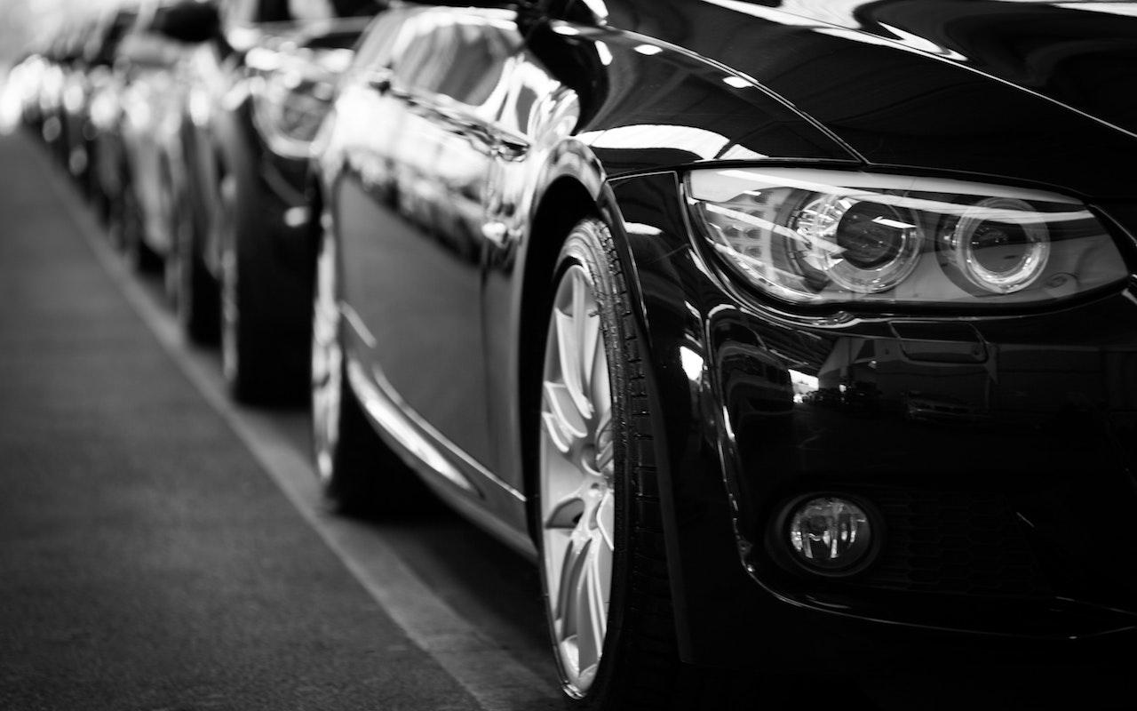 Import z USA – coraz częściej wybierana forma zakupu auta - Zdjęcie główne