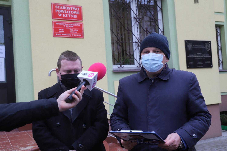 """Radny Marciniak wykluczony z klubu. """"Nasza decyzja pozwoli ukoić nerwy, oburzenia oraz niesmak"""" - Zdjęcie główne"""