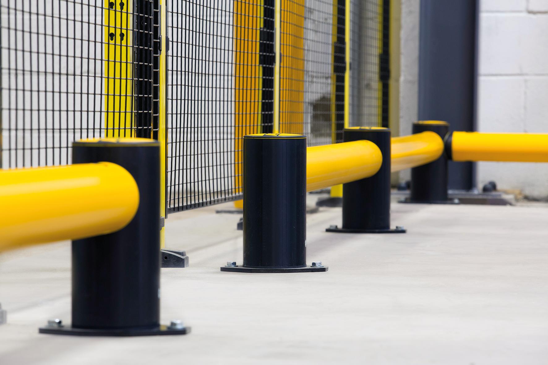 Bariery stalowe, a bariery elastyczne – które wybrać? - Zdjęcie główne