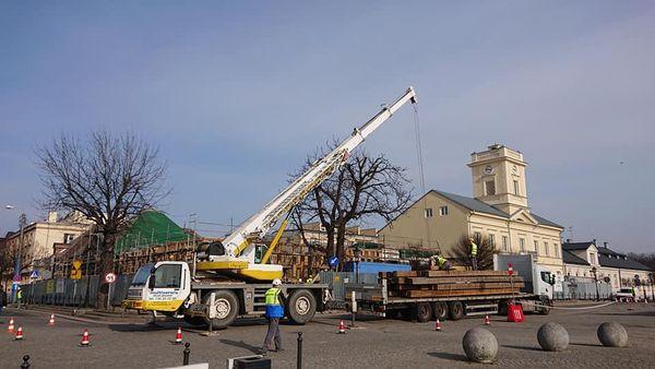 [ZDJĘCIA] Dach wraca na Pałac Saski w Kutnie. Powstaje ostatnia komnata - Zdjęcie główne