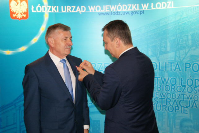 Zbigniew Burzyński wyróżniony Odznaką Honorową - Zdjęcie główne