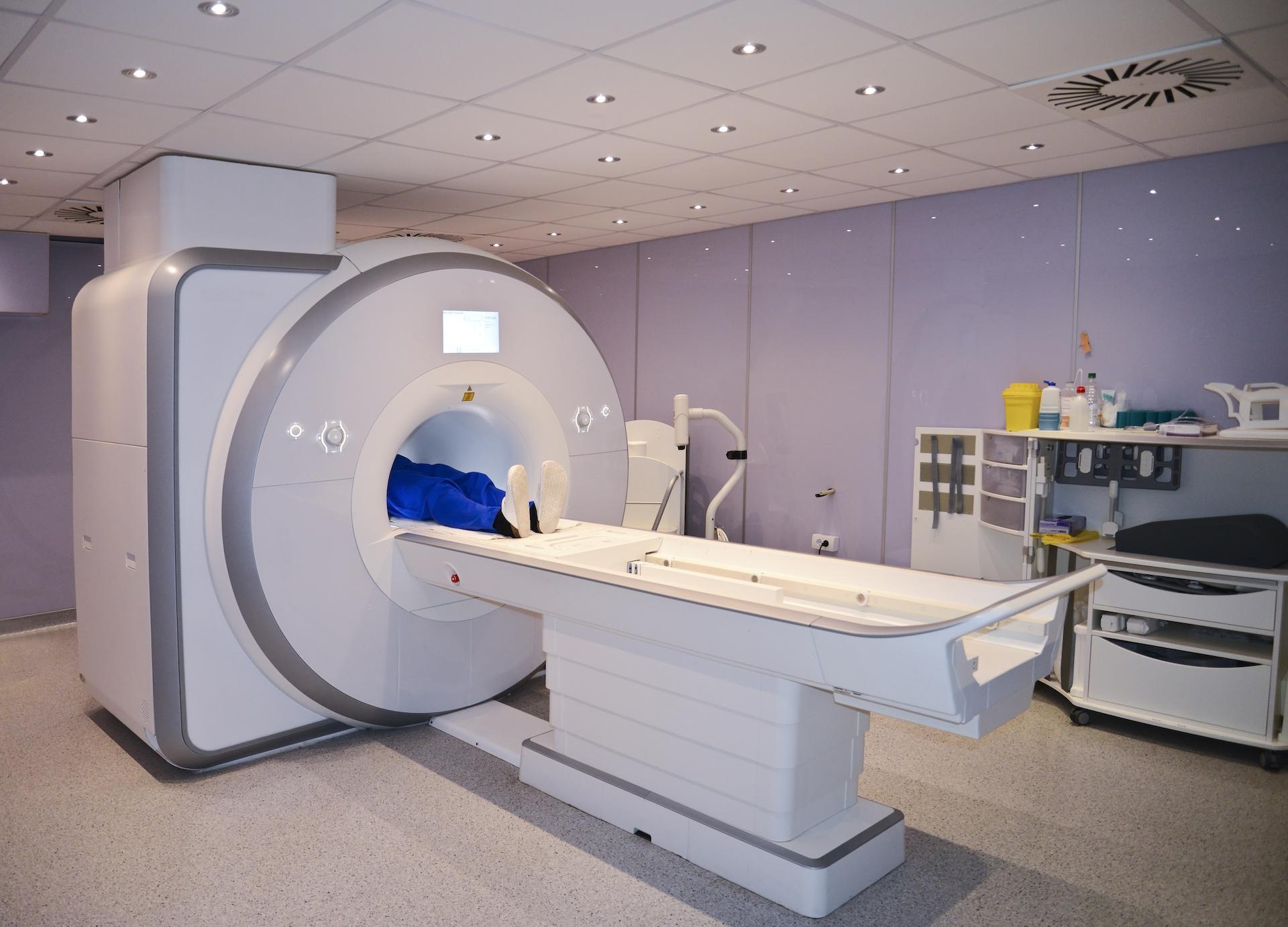 Rezonans magnetyczny - jak wygląda badanie, kiedy jest zalecane? - Zdjęcie główne