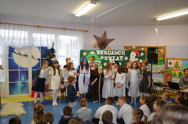 [ZDJĘCIA] ''W dniu Bożego Narodzenia'' w SP w Strzelcach - Zdjęcie główne