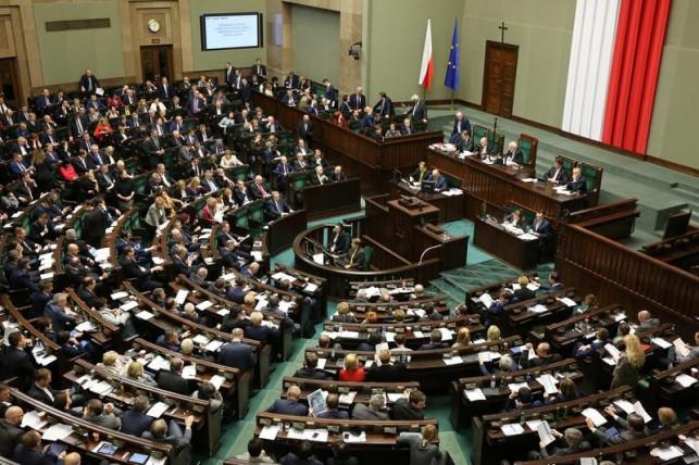 Sejm przegłosował zmiany: co z kadencją Burzyńskiego? - Zdjęcie główne