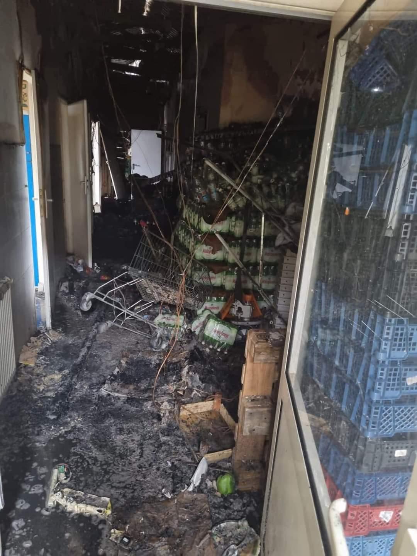 Pożar w markecie: to było podpalenie! Sprawcy już w rękach policji [ZDJĘCIA] - Zdjęcie główne