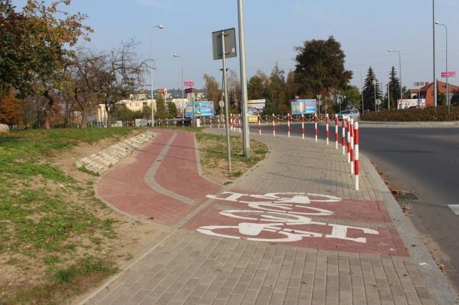 Prezydent odpowiada: Ścieżka przy ul. Szymanowskiego jest z kostki brukowej, bo... - Zdjęcie główne