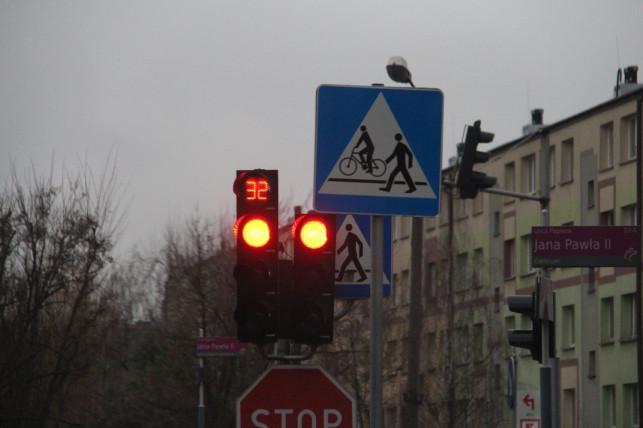 """[ZDJĘCIA] Wyremontowali skrzyżowanie, zasłonili sekundnik. """"To irytujące"""" - Zdjęcie główne"""