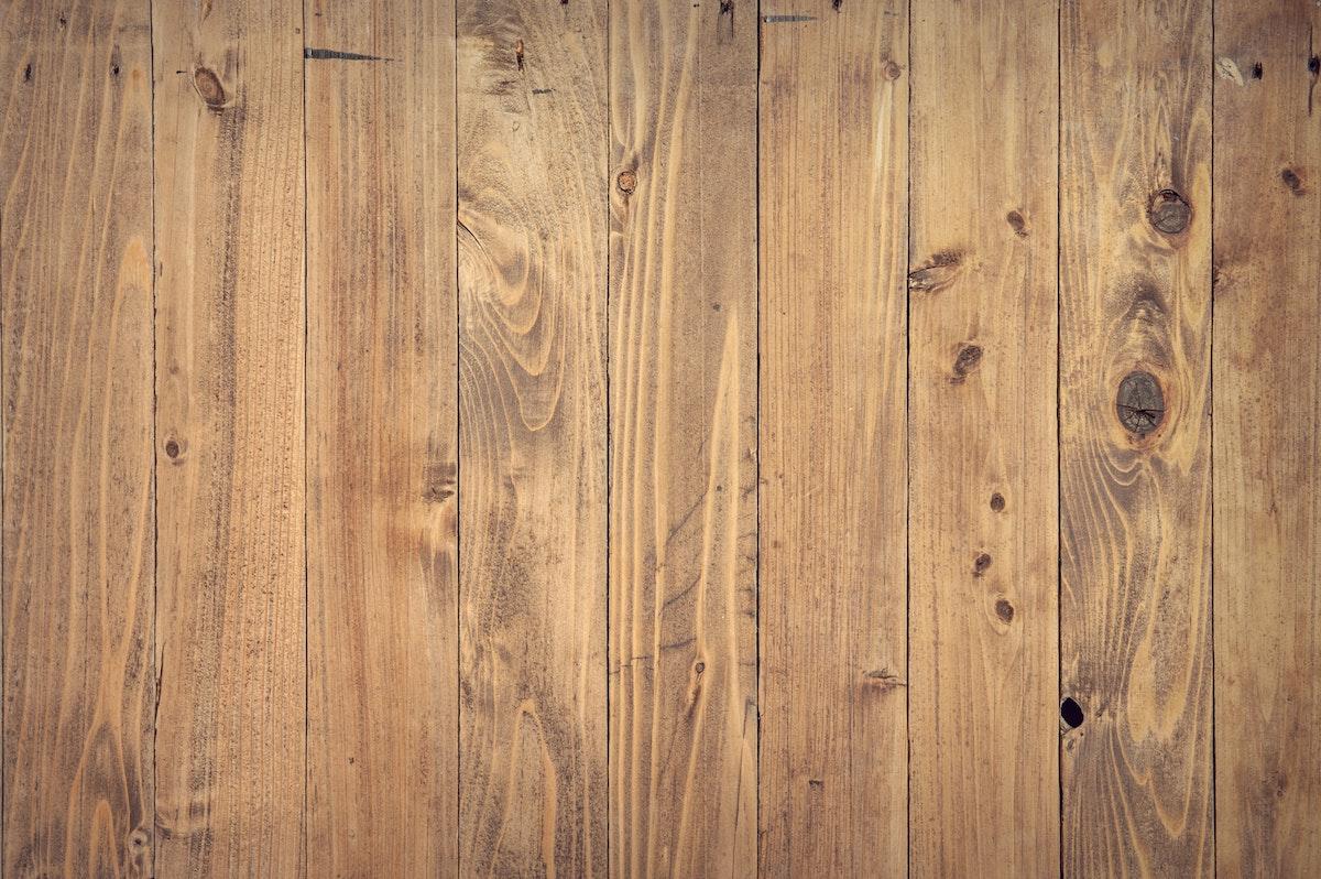 Wady i zalety drewnianych elewacji  - Zdjęcie główne