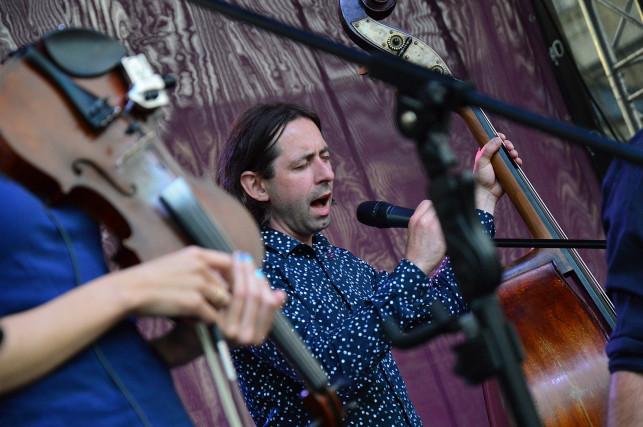 Świat Muzyki - Muzyka Świata: Folkowo pod ratuszem - Zdjęcie główne