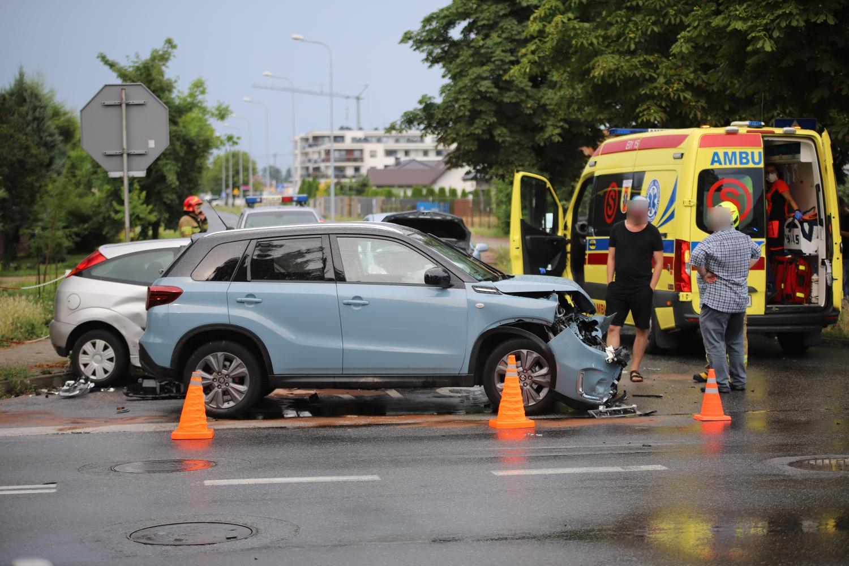 Wypadek z udziałem trzech aut. Są utrudnienia w ruchu [ZDJĘCIA] - Zdjęcie główne