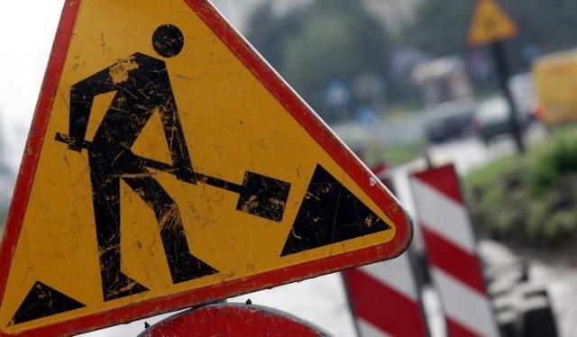 Spore utrudnienia na drodze krajowej w Kutnie. Trwa remont nawierzchni - Zdjęcie główne