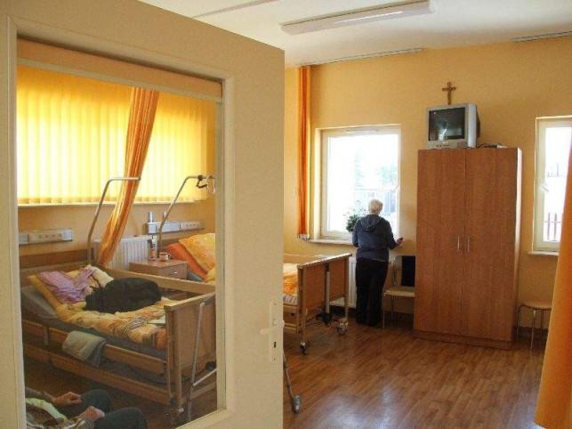 Znana drogeria pomoże kutnowskiemu Hospicjum - Zdjęcie główne