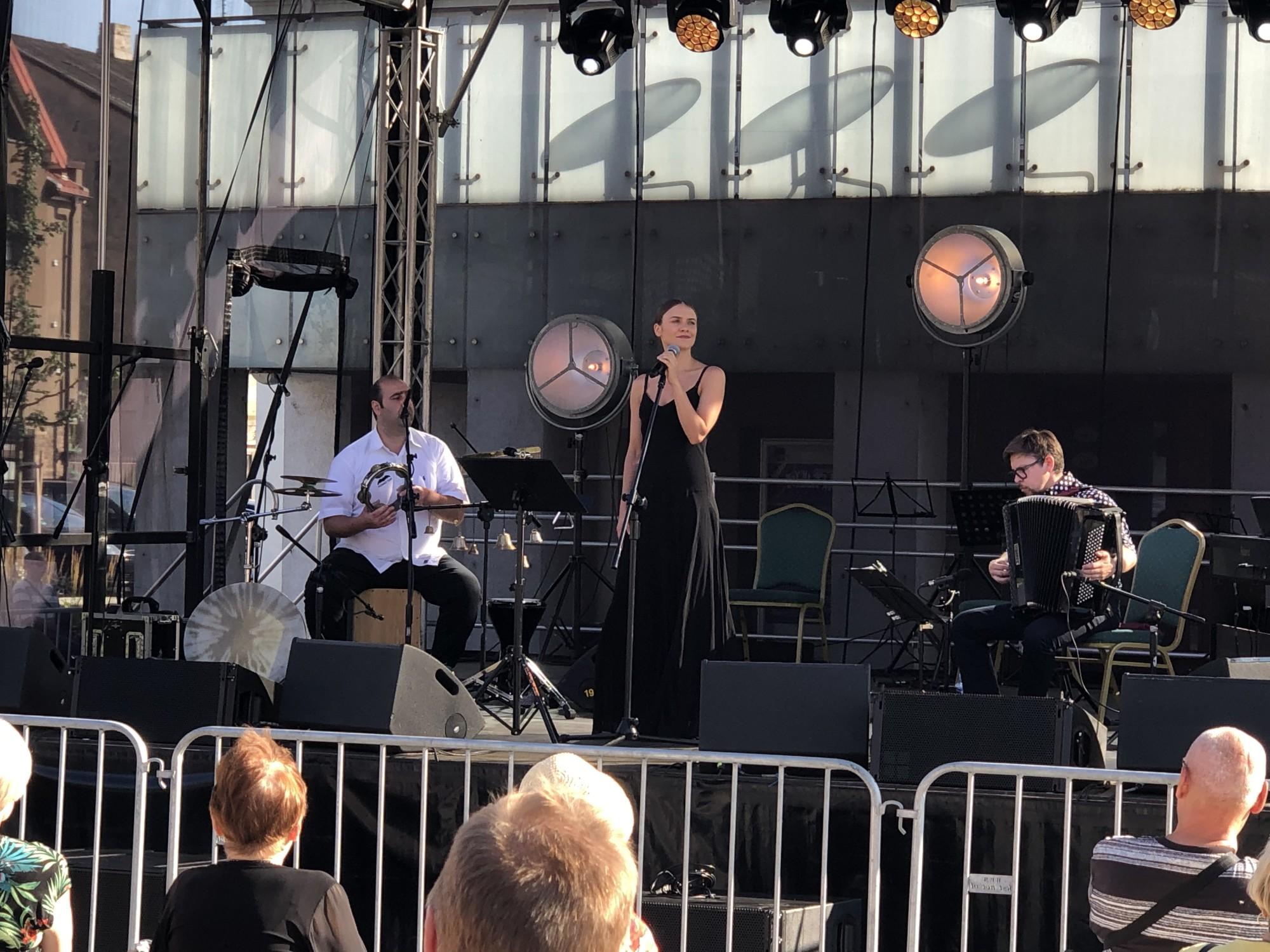 Świat Muzyki Muzyka Świata: Nowa muzyka żydowska na Rynku Zduńskim - Zdjęcie główne