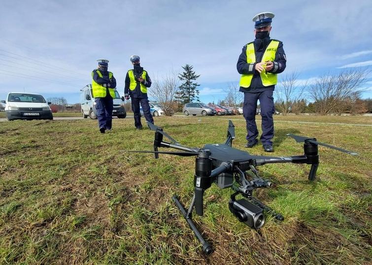 Policyjny dron skontrolował kierowców. Wystarczyły trzy godziny, żeby... - Zdjęcie główne