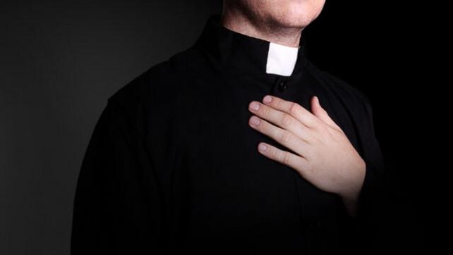 Proboszcz z Kutna chory na COVID-19. Przebywa w szpitalu, biskup apeluje o modlitwę - Zdjęcie główne