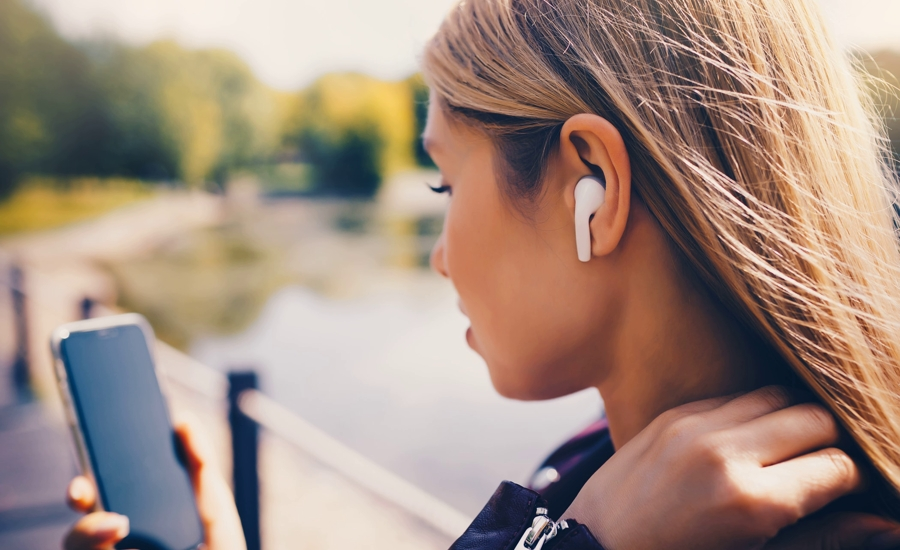 6 korzyści z używania słuchawek bezprzewodowych - Zdjęcie główne