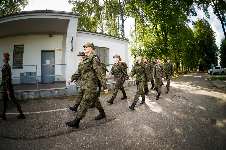 W Kutnie ruszyło szkolenie kandydatów na terytorialsów. Większość z nich to kobiety [ZDJĘCIA] - Zdjęcie główne