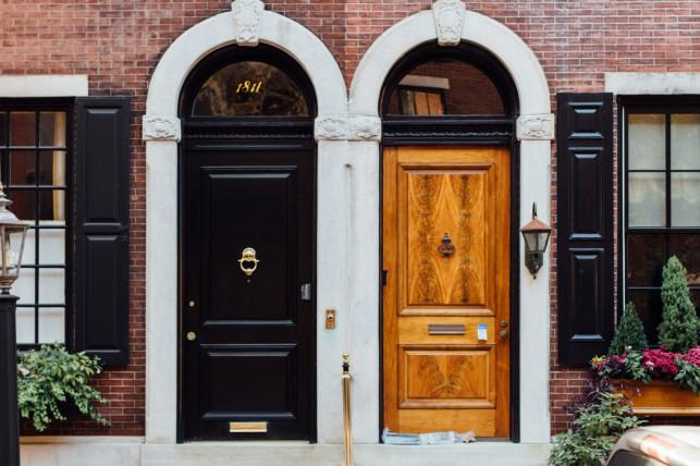 W jaki sposób prawidłowo zamontować drzwi zewnętrzne - Zdjęcie główne