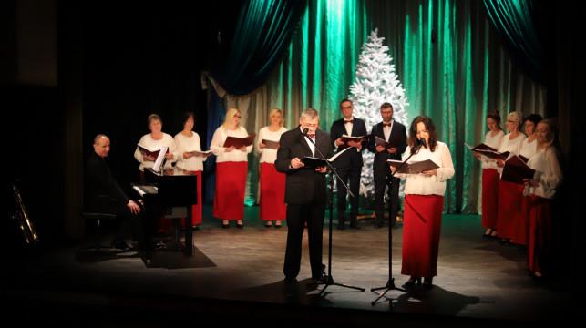 """[ZDJĘCIA] Świąteczny koncert """"Kolędowania czas"""" z Chórem Speranza  - Zdjęcie główne"""