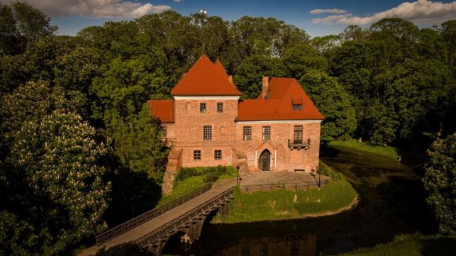 Naczelny Sąd decyduje: powiat straci zamek w Oporowie - Zdjęcie główne