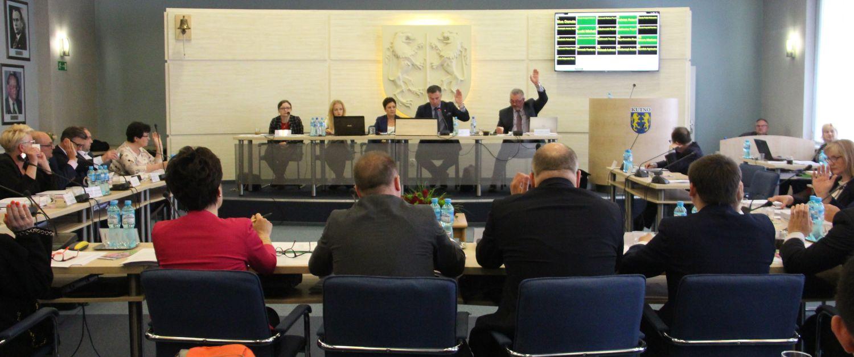 Obrady Rady Miasta. Kutnowscy radni chcą przyznać 25 tysięcy złotych nagrody dla… - Zdjęcie główne