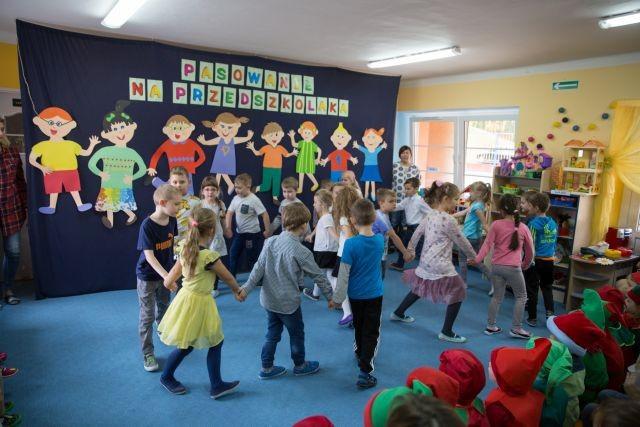 Pasowanie na przedszkolaka w Stokrotce - Zdjęcie główne