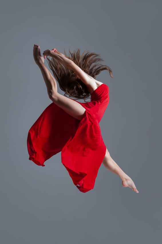 Wyzwól energię i tańcz naładowany emocjonalnie JAZZ z Pawłem Kulagą - Zdjęcie główne
