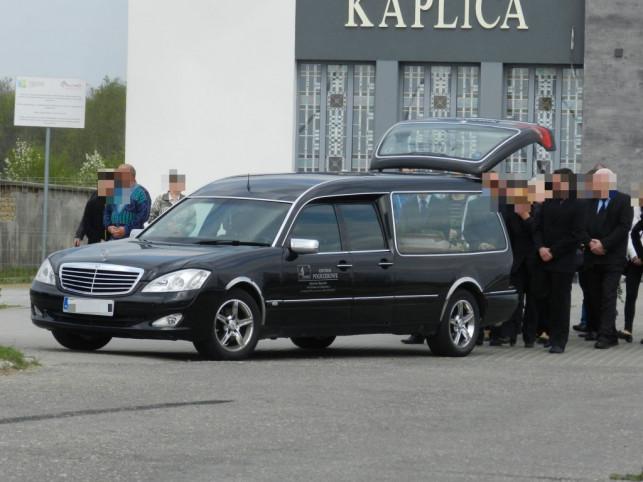 Pogrzeb 29-latka, który zginął na komendzie - Zdjęcie główne