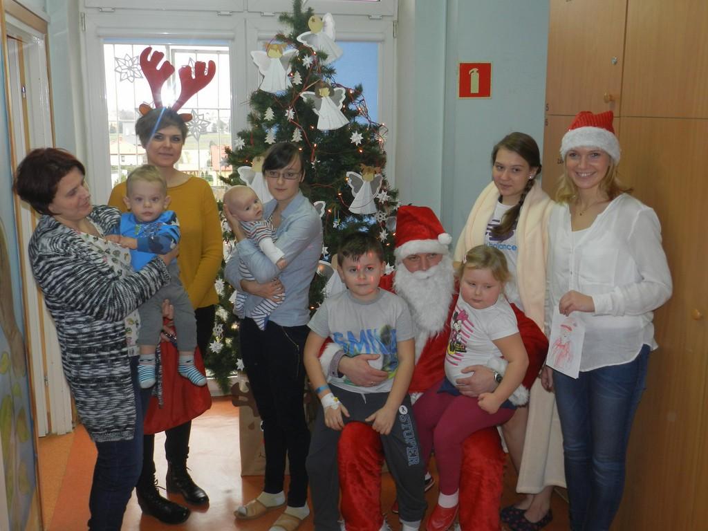 Święty Mikołaj odwiedził dzieci - Zdjęcie główne