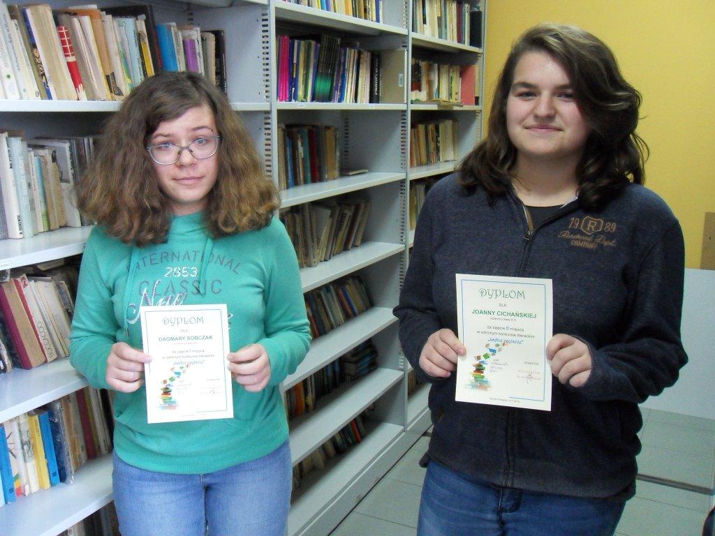 """Czytanie daje satysfakcję! """"Lajkuj czytanie""""! - Zdjęcie główne"""