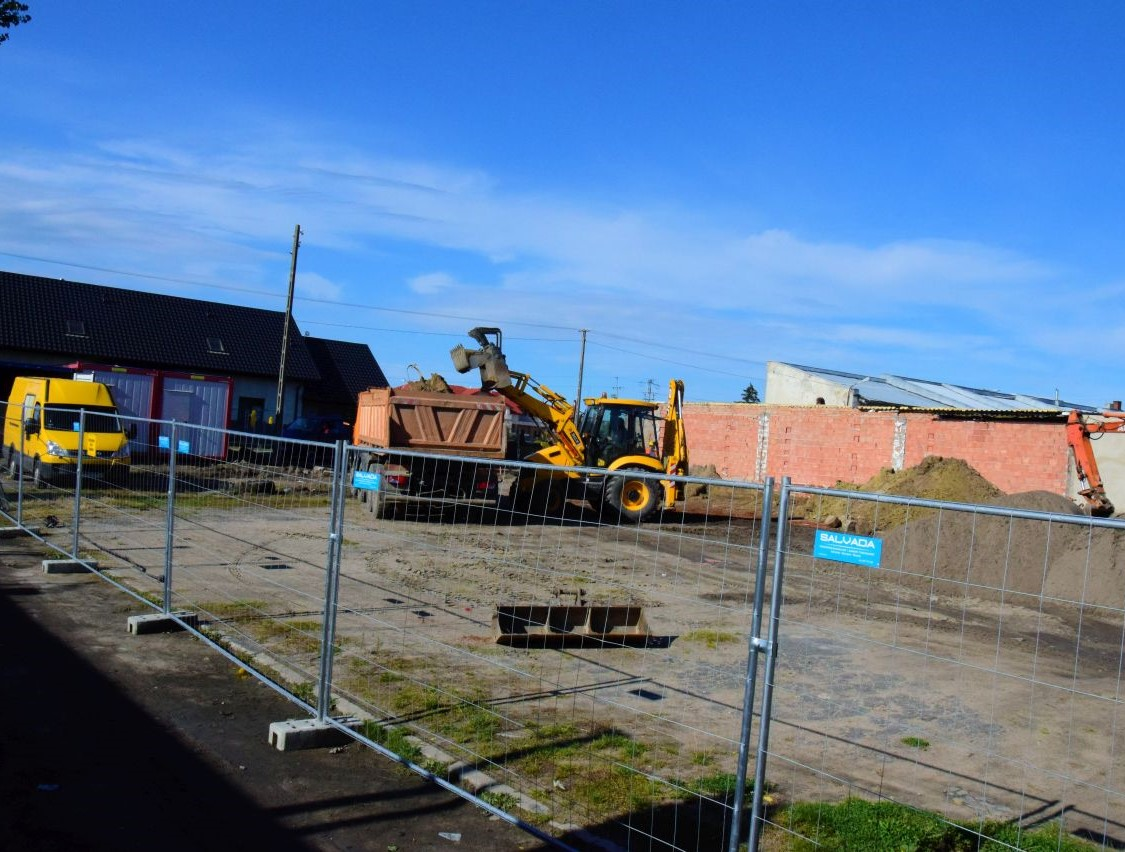 Ruszyła budowa budynku socjalnego - Zdjęcie główne