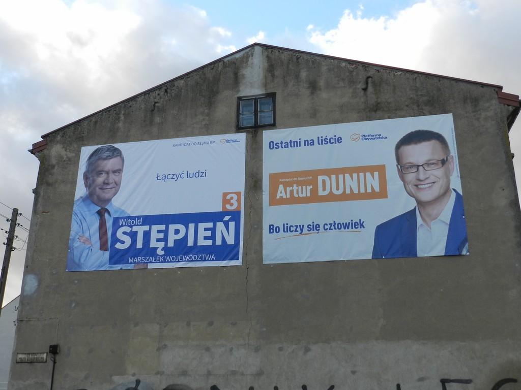 Już po wyborach… a oni nadal wiszą - Zdjęcie główne