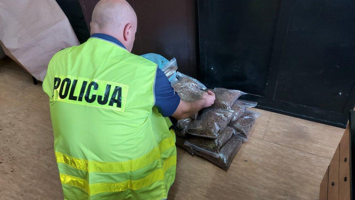 50-latka ukrywała blisko 14 kg nielegalnego tytoniu! Teraz odpowie za kontrabandę  - Zdjęcie główne
