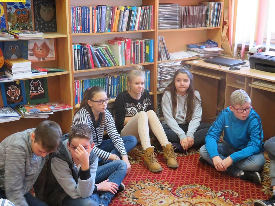 Czym jest cyfrowy ślad? - Zajęcia uczniów SP Błonie w Bibliotece - Zdjęcie główne