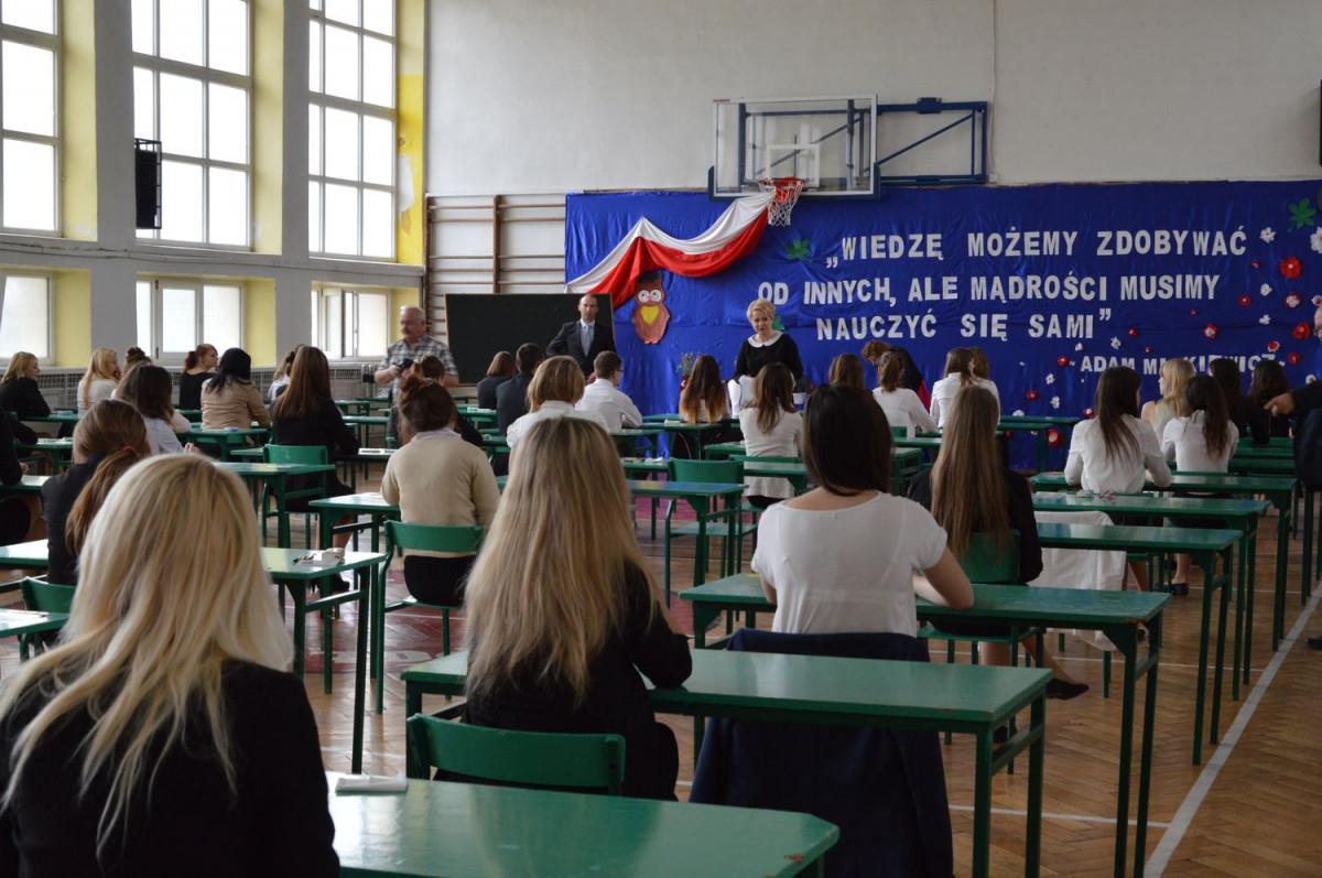 Co czwarty maturzysta w Polsce nie zdał egzaminu dojrzałości. A jak w powiecie łęczyckim? - Zdjęcie główne