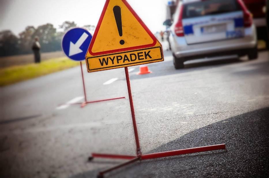 Wypadek pod Łęczycą. Poszkodowany trafił do szpitala - Zdjęcie główne