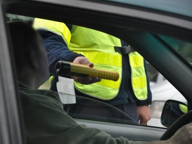 Strażnik więzienny zatrzymał kierowcę z trzema promilami - Zdjęcie główne