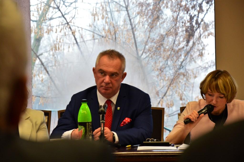 Radni uchwalili – wójt Jacek Rogoziński z wyższą pensją - Zdjęcie główne