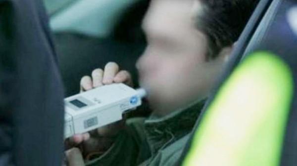 Kierowca z dwoma promilami ujęty przez świadka - Zdjęcie główne