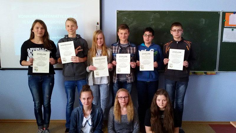 Rozstrzygnięto konkurs matematyczny. Zwycięzcy w nagrodę zwiedzali imperium Poznańskiego - Zdjęcie główne