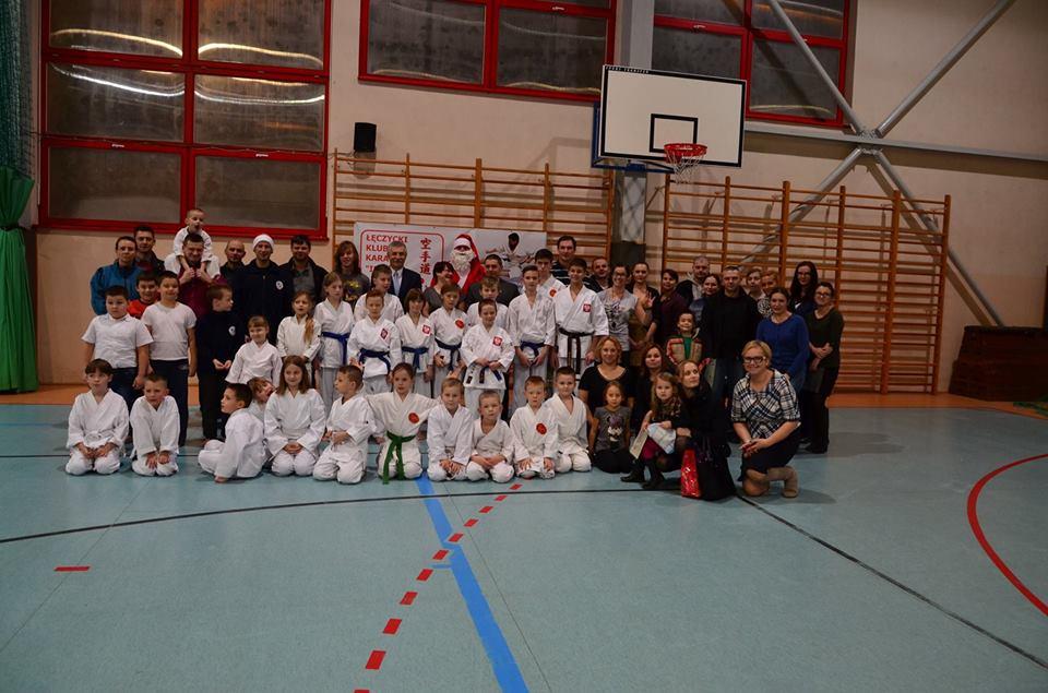 Mikołajkowy turniej karate - Zdjęcie główne