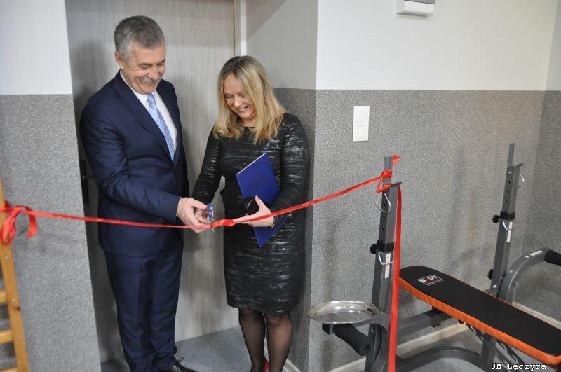 Otwarcie siłowni i sali sportowej w łęczyckim gimnazjum - Zdjęcie główne