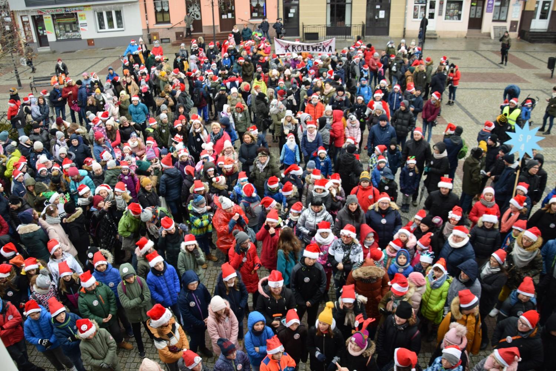 Setki Mikołajów wyszły na ulice! Cudowna świąteczna akcja - Zdjęcie główne