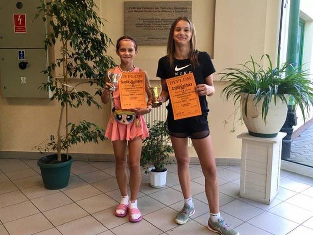 Sukcesy łęczyckich tenisistek w wojewódzkich zawodach. Jedna z nich z miejscem na podium  - Zdjęcie główne