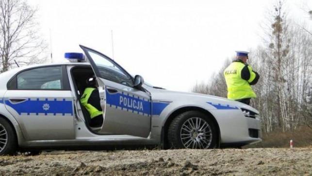 Trwa majowy weekend - na łęczyckich drogach doszło do kolizji. Policja apeluje o rozwagę - Zdjęcie główne
